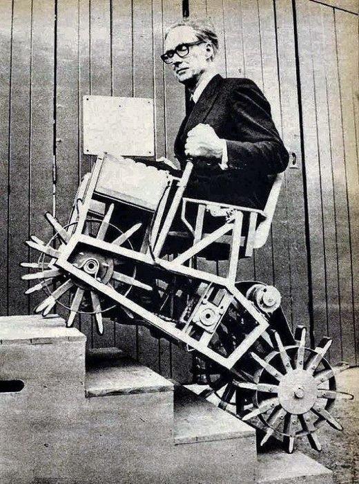 Кресло, которое может подниматься по ступенькам