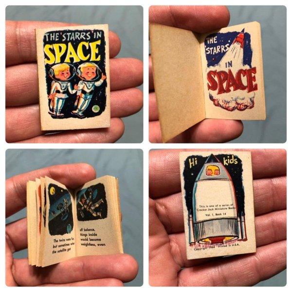 Я нашёл эту крошечную книжку во время уборки в доме дедушки