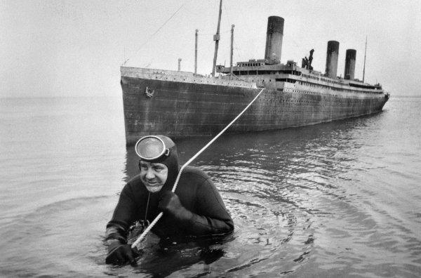 На съёмках фильма «Поднять Титаник», 1980 год