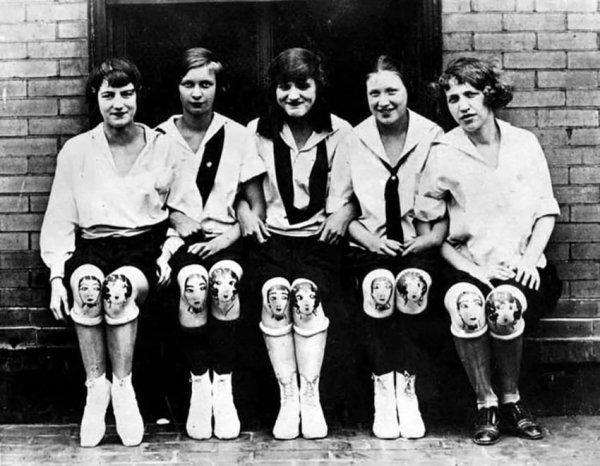 Макияж на коленях — тренд 1920-х годов