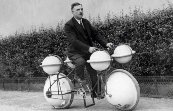 Велосипед, способный держаться на воде, 1932 год