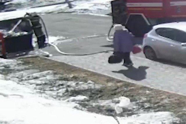 Борьба со пожарным шлангом в Томске
