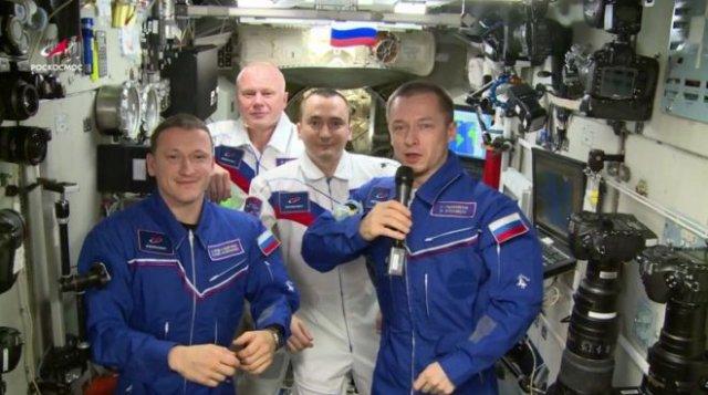 День космонавтики — поздравление от российского экипажа МКС