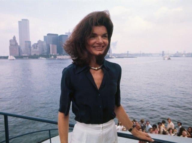Бывшая первая леди США Жаклин Кеннеди в Нью-Йорке, 1970 г.