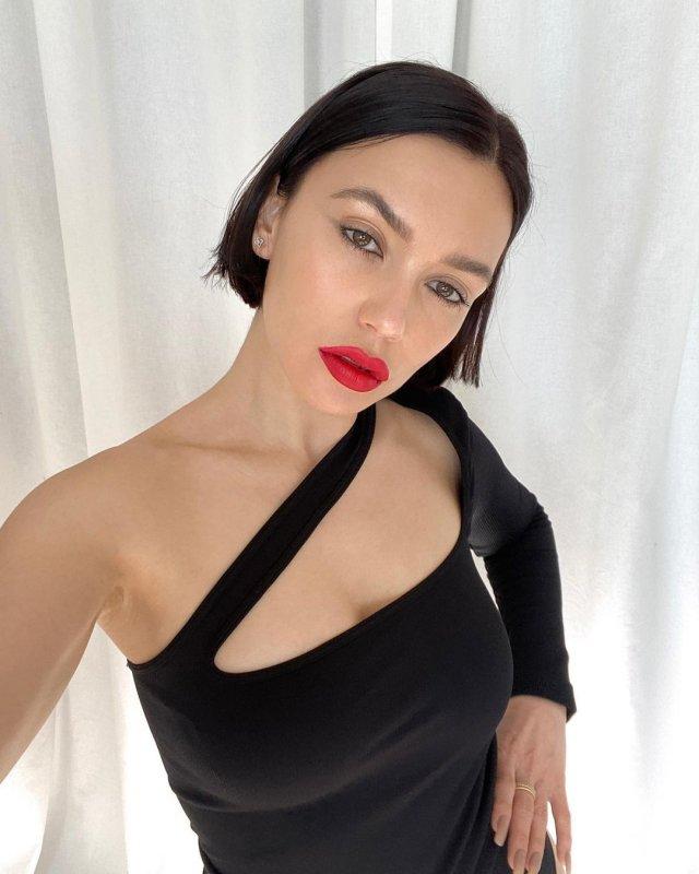 Экс-солистка группы Serebro Ольга Серябкина вышла замуж, но не оставила сцену