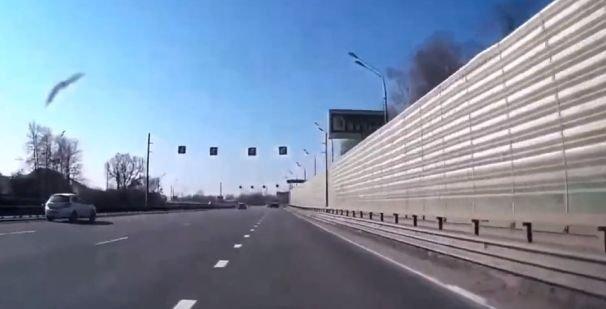 Очередной гонщик на BMW устроил ДТП и остался без колеса