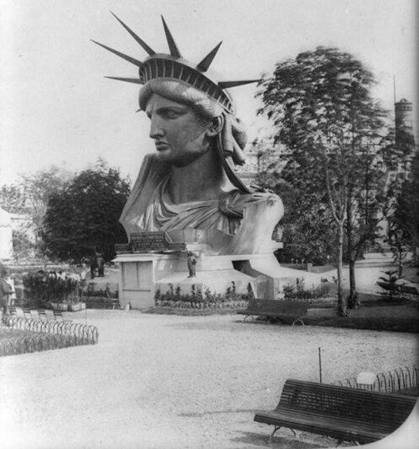 Голова Статуи Свободы во время Всемирной выставки в Париже, 1878 год