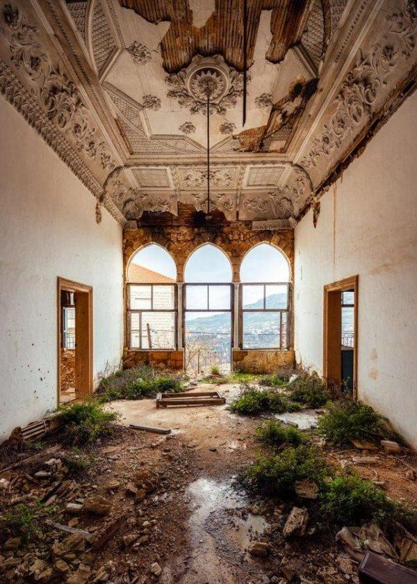 Заброшенная квартира в Бейруте, Ливан