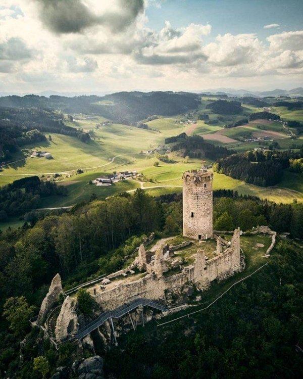 Руины старого замка в Верхней Австрии