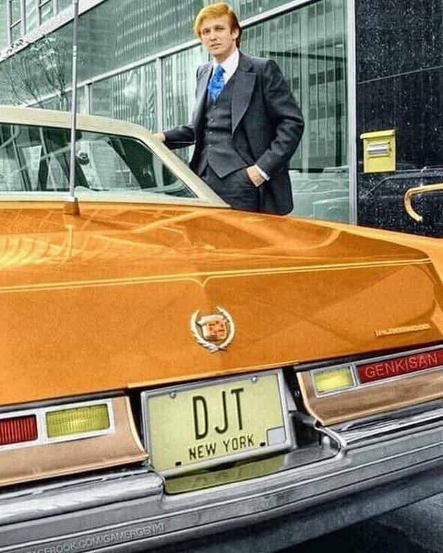 30-летний Дональд Трамп и его Cadillac Fleetwood. Нью-Йорк, 1976 год.