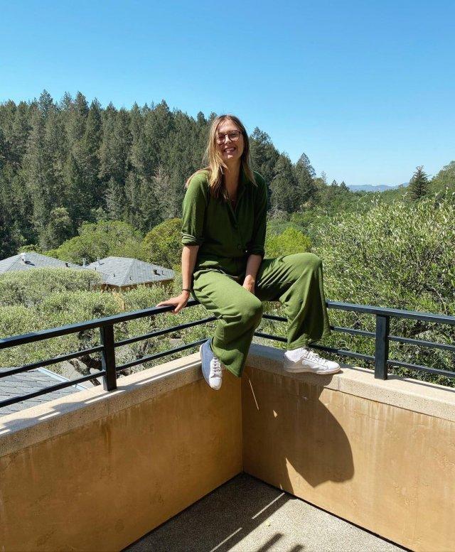 Мария Шарапова в зеленых штанах