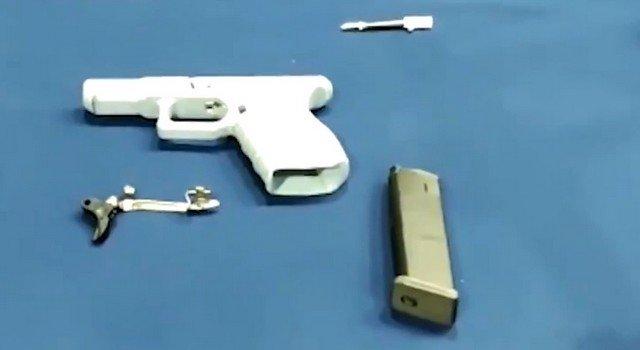 В Испании накрыли мастерскую, где изготавливали оружие на 3D-принтерах