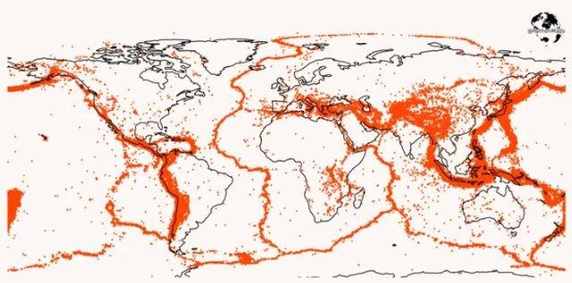 Карта всех землетрясений на Земле за последние 20 лет с магнитудой больше пяти баллов