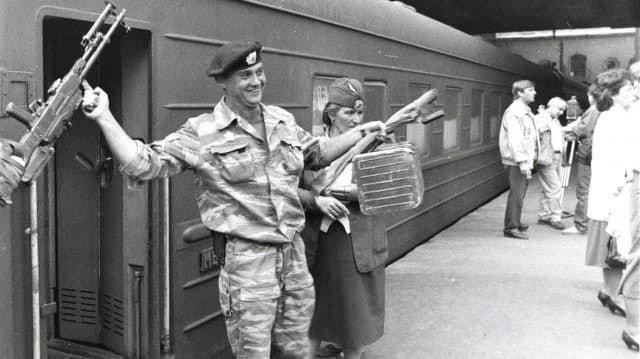 Вернулся! Москва. 1996 г. Казанский вокзал.