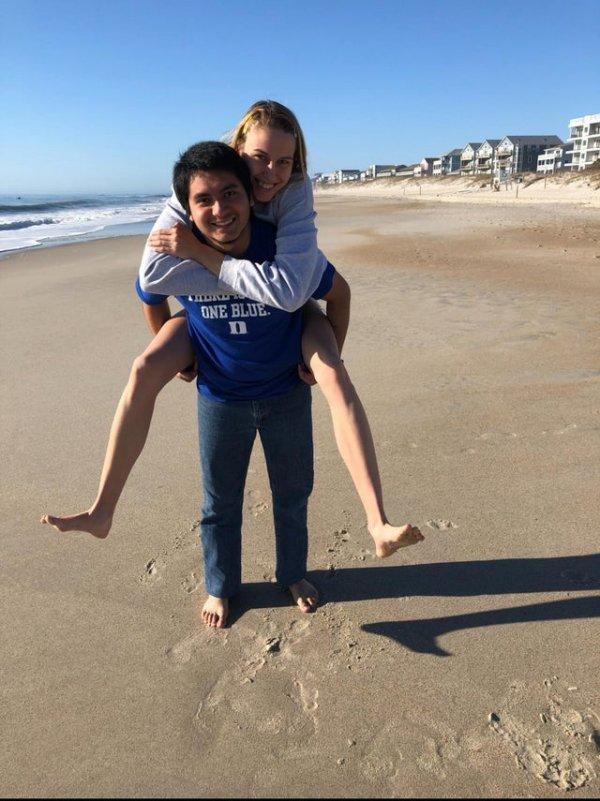 Рост не помеха любви: двухметровая девушка и ее парень с ростом 170 см