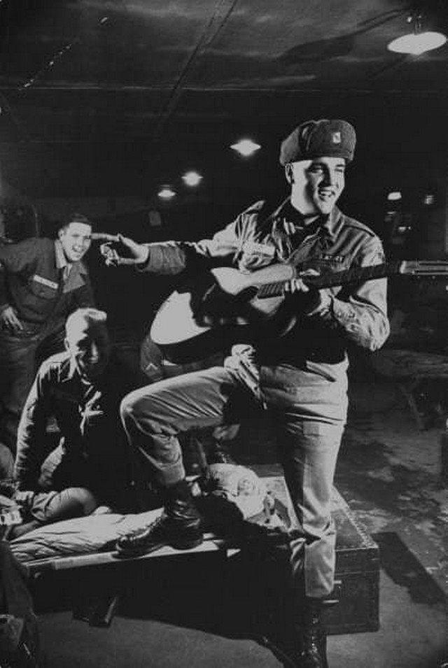 Элвис Пресли в армии. Бавария, 1958