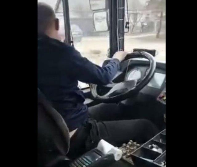 Странное поведение водителя автобуса из Воронежа