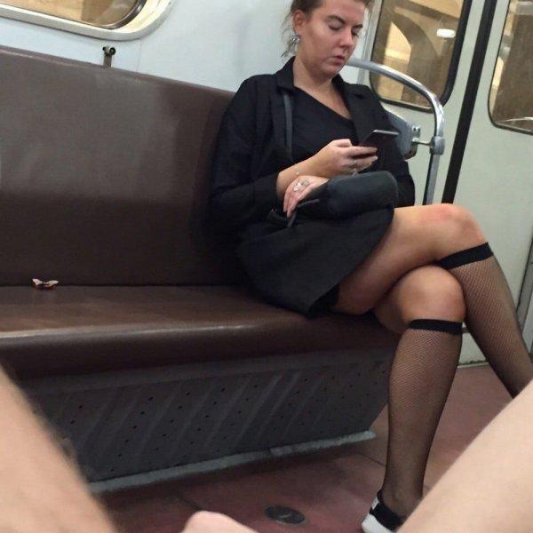 женщина в чулках