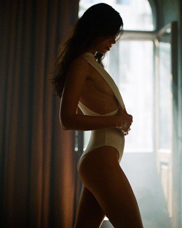 Наташа Шелягина - горячая стримерша и замена Wylsacom в белом купальнике