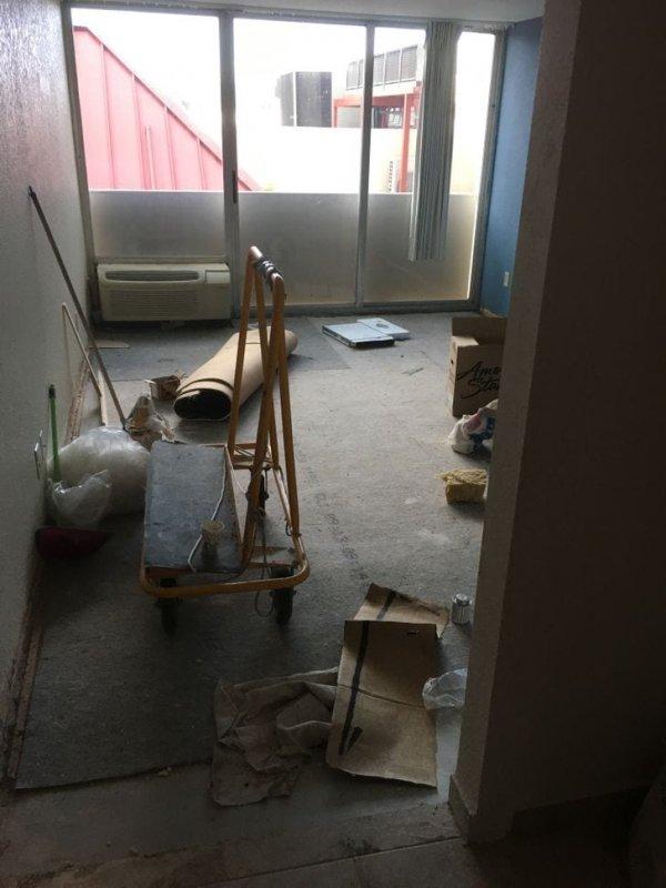 Меня заселили в номер, в котором идёт ремонт