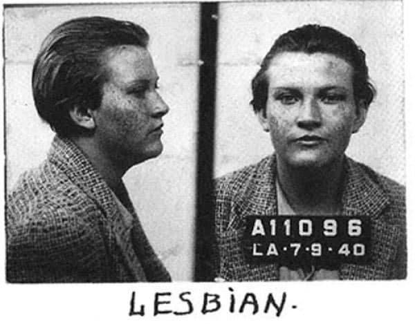 Полицейское фото арестованной девушки за нетрадиционную ориентацию, США, 1940 год.