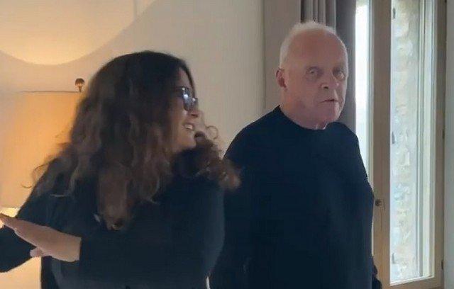 Сальма Хайек и Энтони Хопкинс танцуют