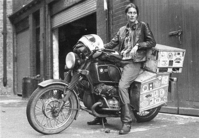 Элизaбет Бирдм - пepвая женщина мотоциклист, объexaвшая вокруг свeта.