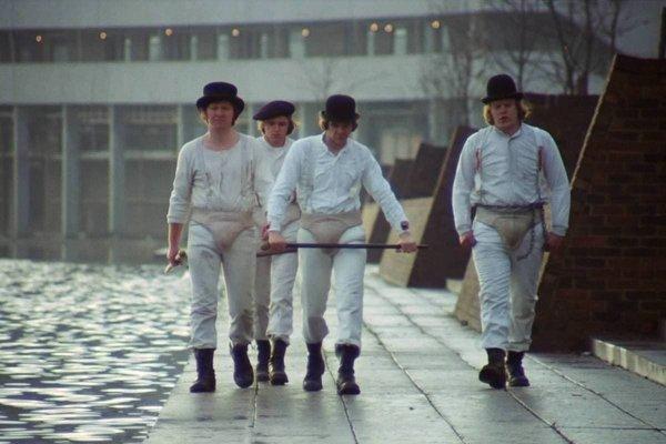 Фильм «Заводной апельсин» (1971) был много лет запрещён в Великобритании