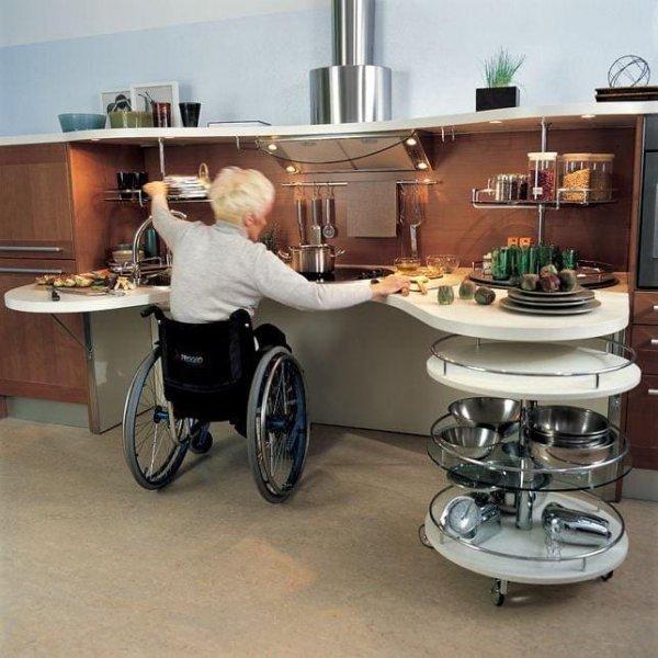 Кухня, на которой удобно готовить людям в инвалидном кресле
