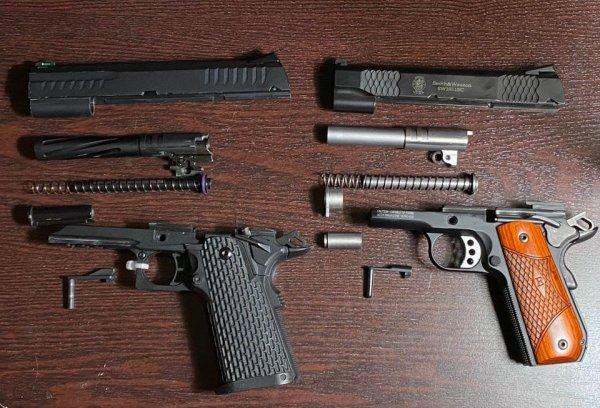 Пистолет для страйкбола и настоящий пистолет