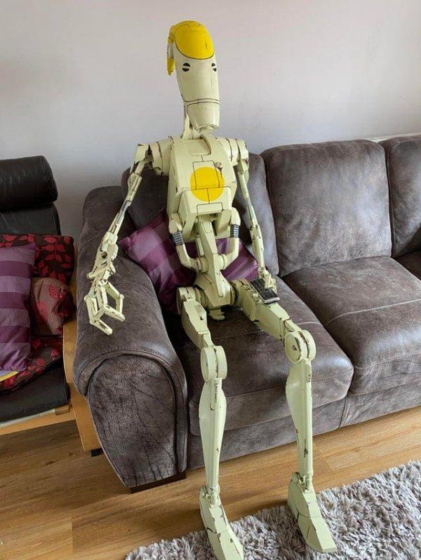 Мы с сыном напечатали на 3D-принтере боевого дроида в натуральную величину