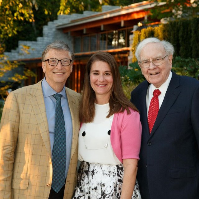 Билл Гейтс разводится с Мелиндой Гейтс после 27 лет брака с Уоренном Баффетом