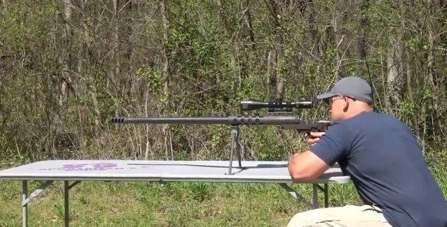 Блогер стреляет в глаз из винтовки