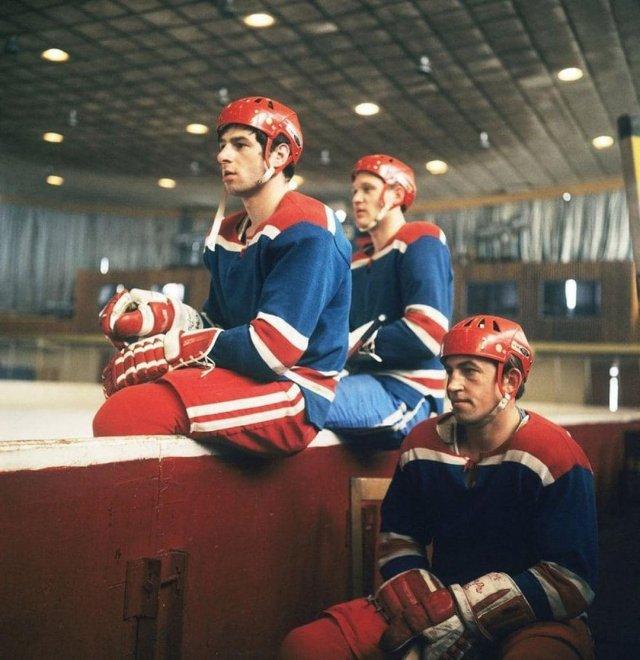 Знаменитая хоккейная тройка: Борис Михайлов, Владимир Петров и Валерий Харламов, 1969 г.