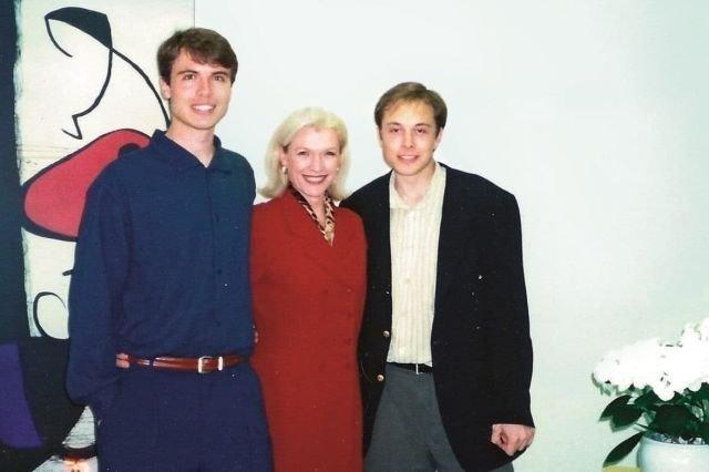 Илон Маск вместе со своим братом Кимбалом Маском