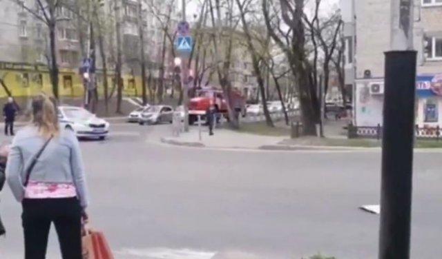 В Хабаровске полицейские не пропускали пожарную машины на вызов - из-за репетиции парада Победы