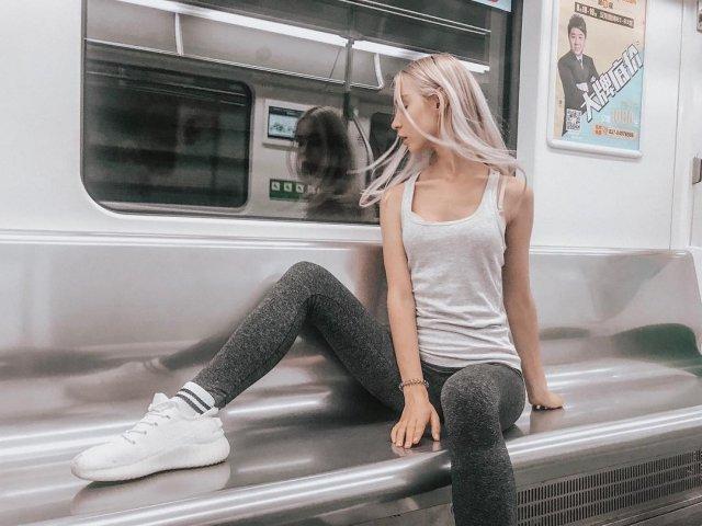 """Диана Погорелая - модель, ставшая участницей """"голой фотосессии"""" в Турции в одежде casual"""
