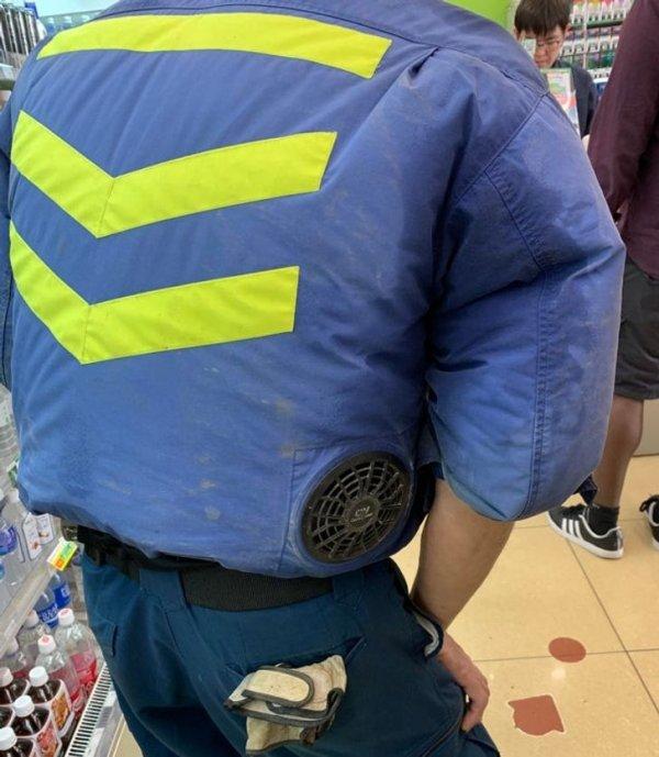 Куртки рабочих снабжены кондиционерами
