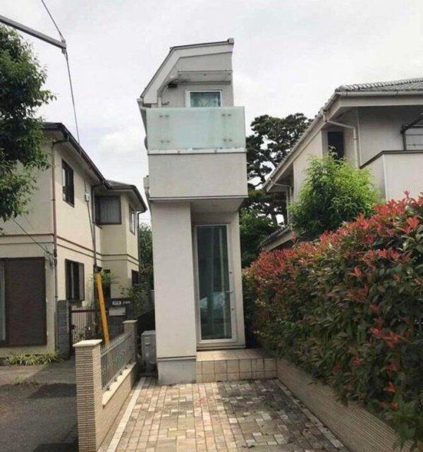 Токио очень плотно населен, и все чаще строятся «скинни-дома»: узкие и высокие