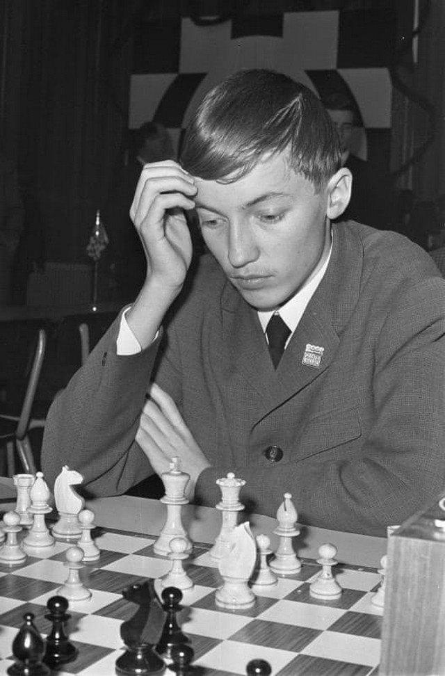 16-летний Анатолий Карпов, на чемпионате Европы по шахматам среди юниоров в Гронингене, 27 декабря 1967 года.
