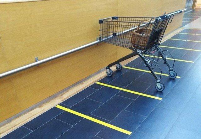Парковка для тележек в одном из немецких супермаркетов
