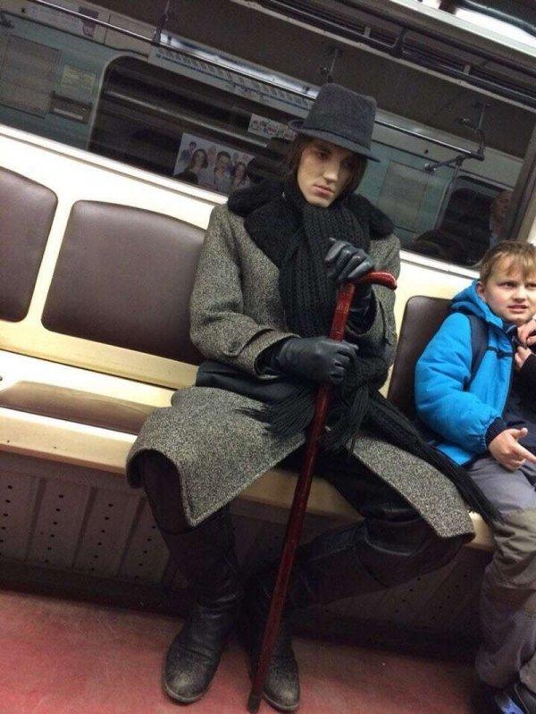 Модники и чудаки в метро