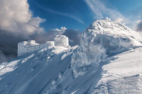 Заброшенная обсерватория «Белый слон» в Карпатском национальном природном парке Украины