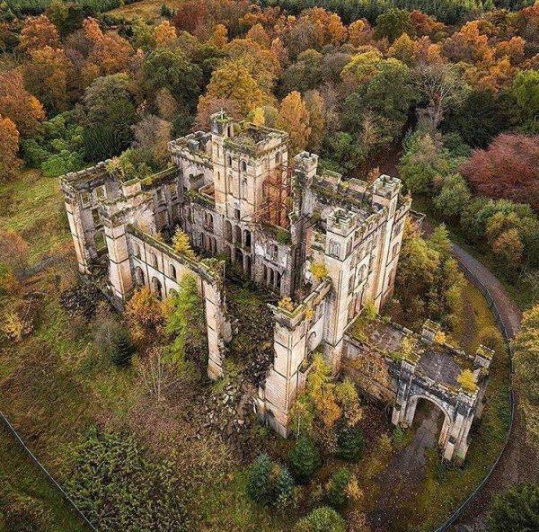 Замок Леннокс в Шотландии