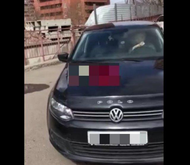 Очень наглая автоледи из Красноярска, которая не знает правил дорожного движения