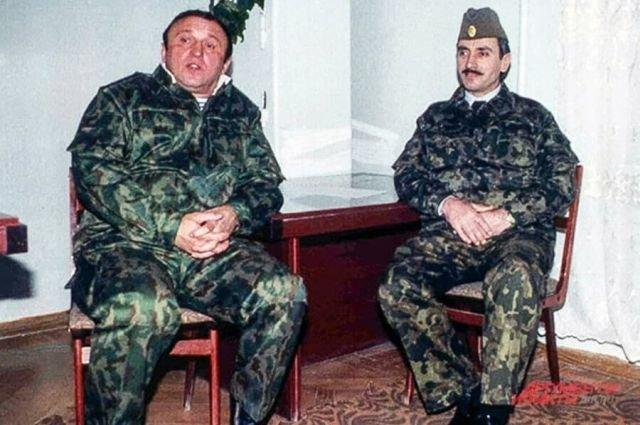 Министр обороны РФ Павел Грачев и президент ЧР Ичкерия Джохар Дудаев, 1994 год.