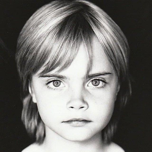 Кара Делевинь. 1998 г.