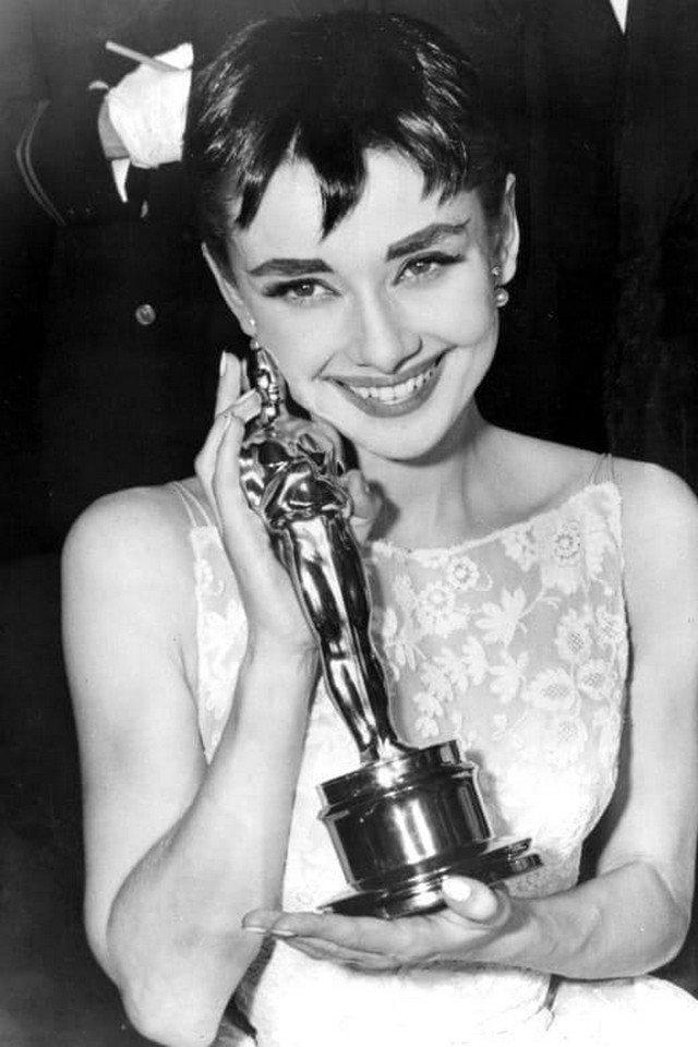 Одри Хепбёрн - лучшая актриса, фильм «Римские каникулы», 1954 г.