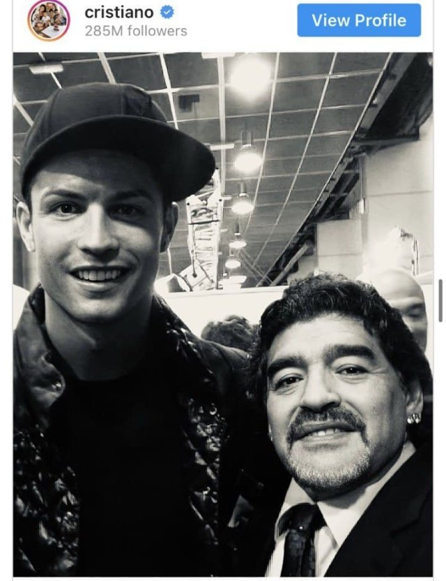 Роналду попрощался с Марадонной - фото лайкнули 19,8 миллиона человек.