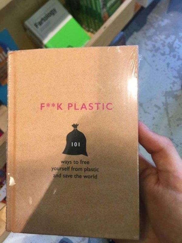 Книга с названием «F**K PLASTIC» продается в плёнке...